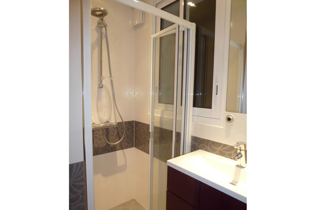 Salle de bain et salle d 39 eau dans petit espace yves for Salle de bain a l ancienne