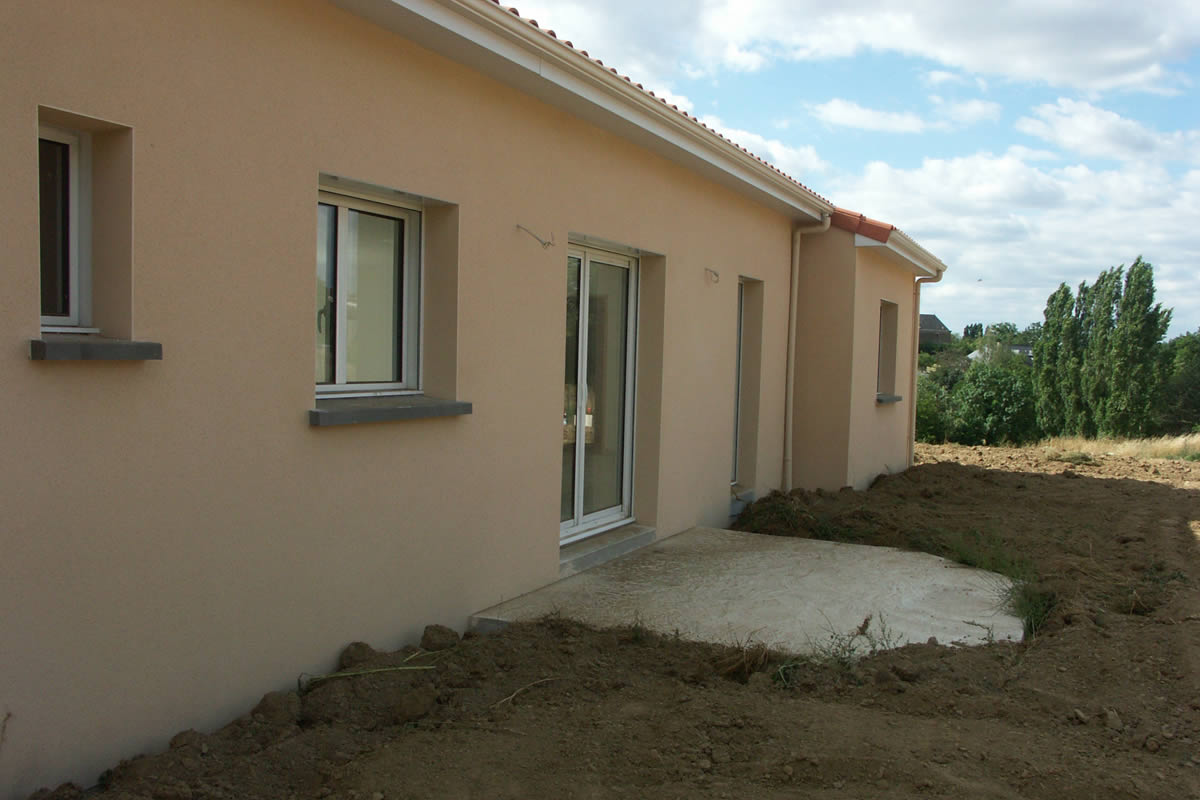 Construction de maison locative chemill yves cl ment for Construction logement neuf