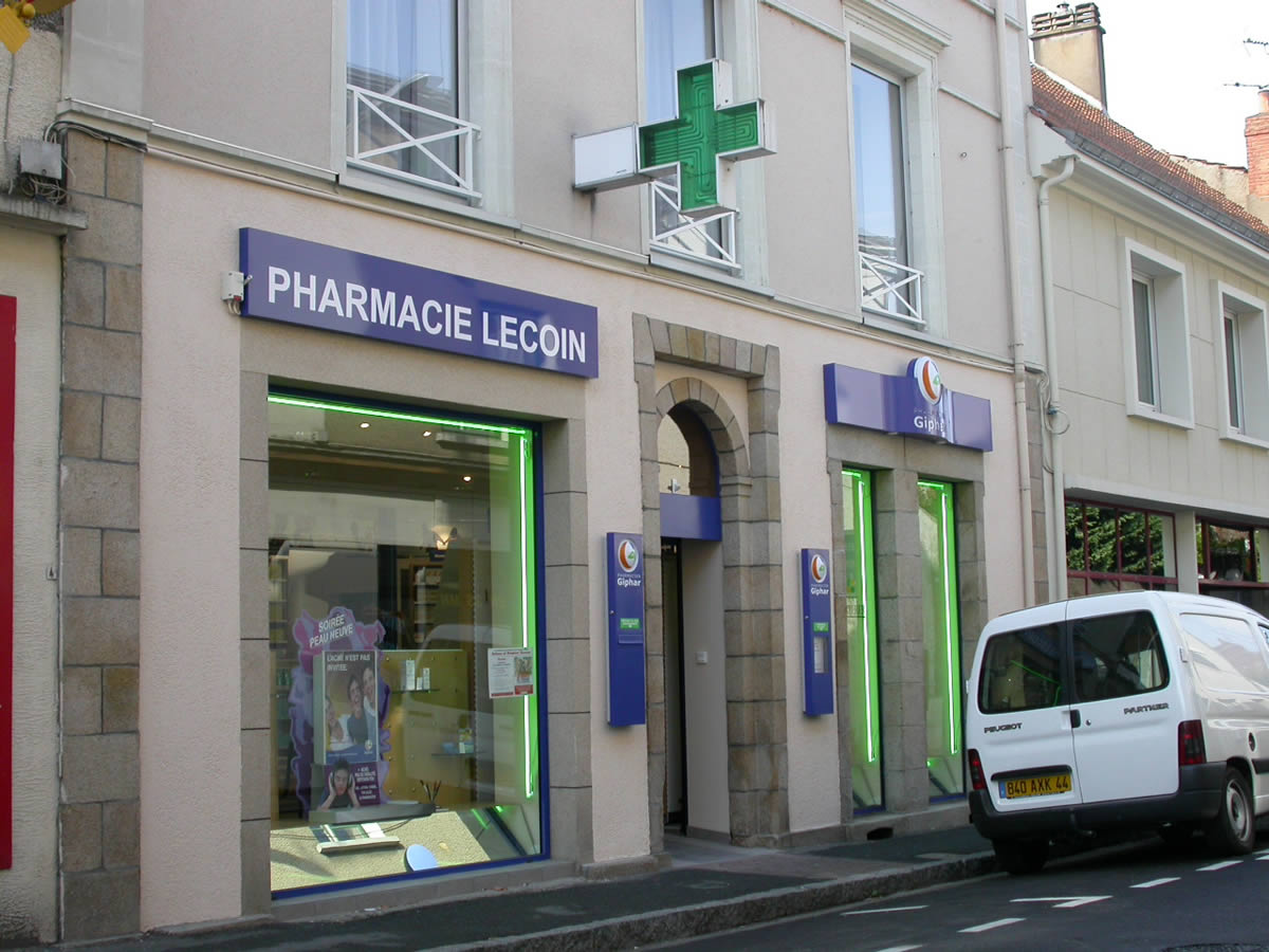 extension de commerce cholet pharmacie yves cl ment architecte d 39 int rieur. Black Bedroom Furniture Sets. Home Design Ideas