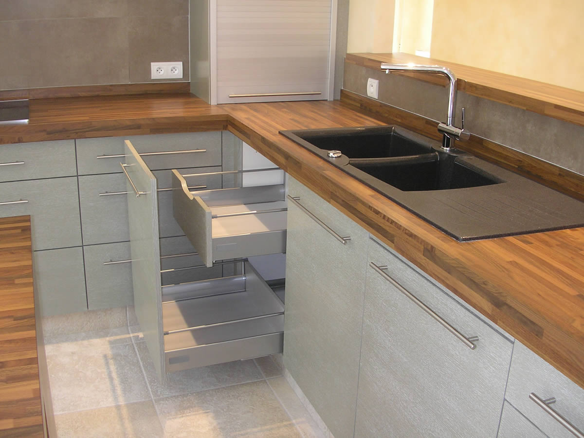 espace cuisine agrandi et fonctionnel cholet yves. Black Bedroom Furniture Sets. Home Design Ideas