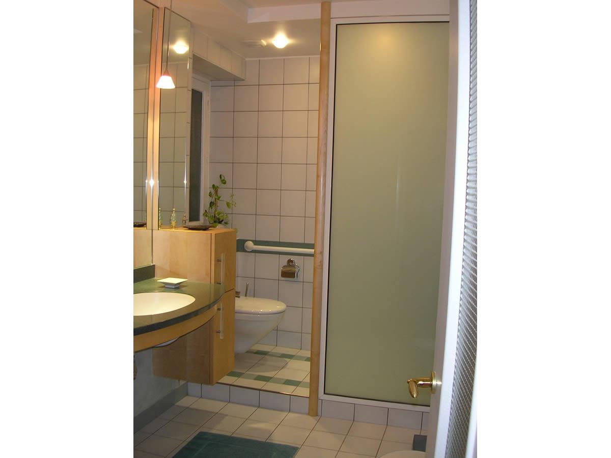 R novation de salle de bain et salle d 39 eau cholet yves for Architecte interieur salle de bain