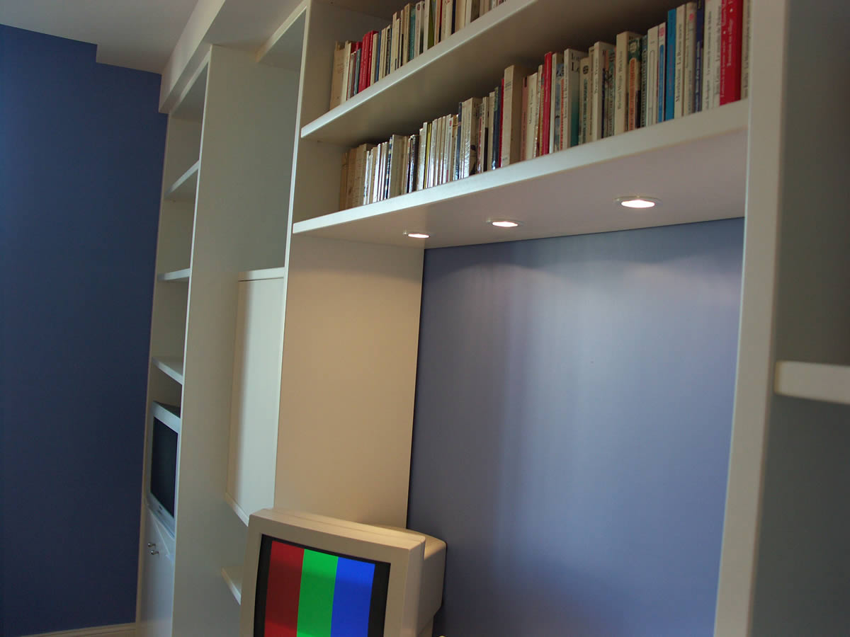 Am nagement de chambre de gar on cholet yves cl ment for Bibliotheque chambre