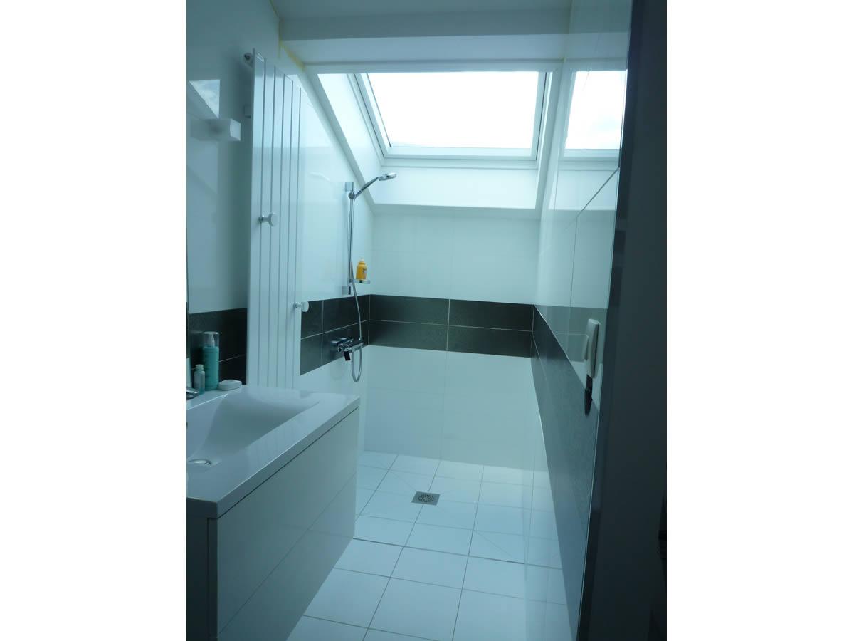 chambre et salle d 39 eau dans garage yves cl ment architecte int rieur la s guini re. Black Bedroom Furniture Sets. Home Design Ideas